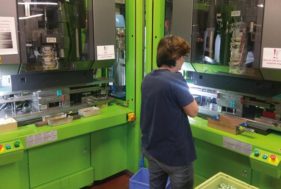 machines de production de composants moteurs